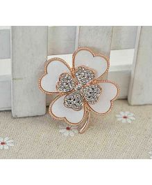 Flaunt Chic Multi Flower Design Broach - White & Gold
