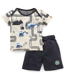 Mini Taurus Half Sleeves T-Shirt Printed And Shorts - Beige