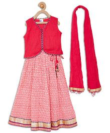 612 League Sleeveless Lehenga And Dupatta Set - Pink