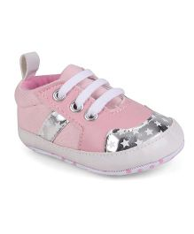 Cute Walk by Babyhug Booties Stars Print - Pink