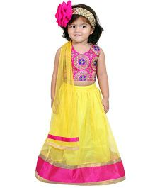 Chubby Cheeks Halter Neck Embroidered Choli With Lehenga And Dupatta - Yellow Pink
