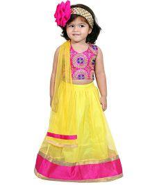 Chubby Cheeks Halter Neck Embroidered Choli With Lehenga And Dupatta - Yellow Pink