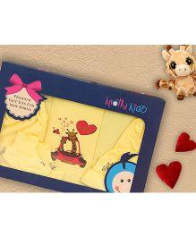 Knotty Kids Giraffe Print Premium Gift Set - Yellow
