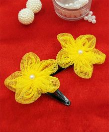 Magic Needles Fancy Triangular Tic Tac Hair Clips With Net Flower - Yellow