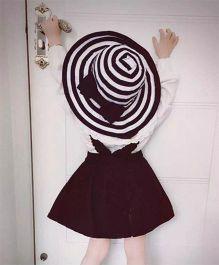 Princess Cart Stripe Big Brim Hat - Black