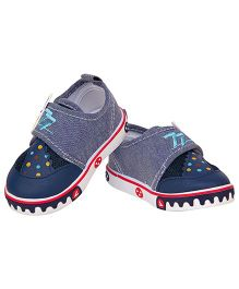 77 Seventy Seven Baby Canvas Shoes With Animal Face Applique - Navy Blue