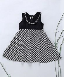 Murphy Mouse Zig Zag Print Dress With Attached Necklace - Black