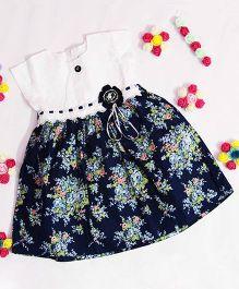 Bunchi Floral Dress With Flower Applique - White & Black
