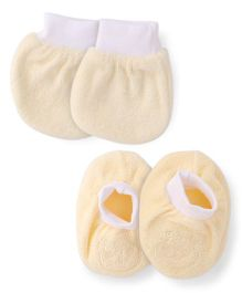 Simply Mittens & Booties Set  - Light Yellow White