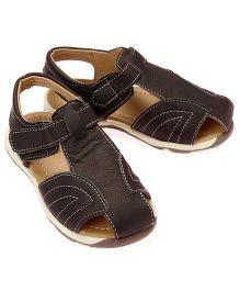 Little Hip Boutique Closed Toe Sandals - Black