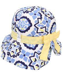 Little Wonder Appealing Design Print Hat - White & Blue