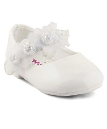 Kittens Shoes Ballerinas With Floral Appliques - White