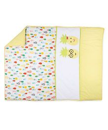 HouseThis The Juicy Pineapple Pure Cotton Quilt - White