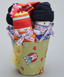 Needybee 10 Pc Baby Girl Essential Gift Set For Newborn - Multicolour
