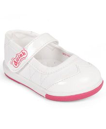 Doink Bellies With Velcro Closure - White