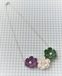 Bobbles & Scallops 3 Crochet Flowers Necklace - Purple White & Green