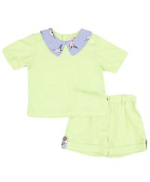 Hugsntugs Top And Shorts With Printed Collar - Green