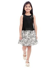 Tiny Baby Set Of Knife Pleated Top With Flare Skirt - Black & White