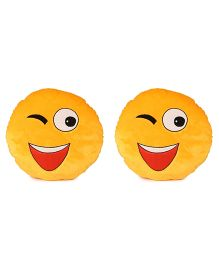 Deals India Wink Smiley Cushion Set Of 2 - Yellow