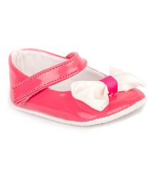 Pikaboo Booties With Bows Applique - Pink