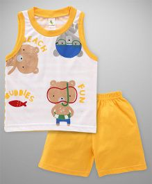 Cucumber Sleeveless T-Shirt And Shorts Set Bear Print - White Yellow