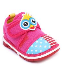 Cute Walk by Babyhug Casual Shoes Chick Face  Applique - Fuchsia