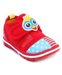 Cute Walk by Babyhug Casual Shoes Cock Applique - Red