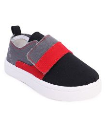Cute Walk by Babyhug Casual Shoes - Black & Grey