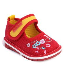 Cute Walk by Babyhug Casual Shoes Velcro Closure Floral Embroidery - Red