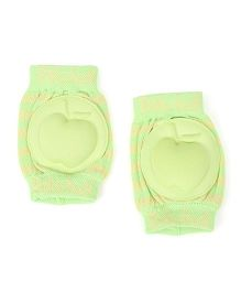 Babyhug Baby Knee Pad Apple Design - Light Green