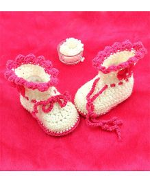 Magic Needles Boot Style Tie Up Booties With A Flower Applique - White & Pink