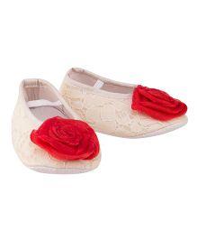Daizy Flower & Pearl Applique Booties - Cream