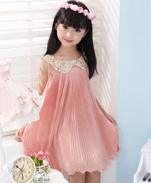 Wonderland Sequined Collar Pleated Dress - Pink