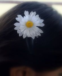 Pretty Ponytails Daisy Flower Clip - White