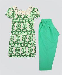 Hugsntugs Kurta With Cutwork Design At Collar & Pajama Set - Green & White