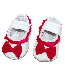 SnugOns Mary Jane Style Booties With Lace & Bow Applique - White & Pink