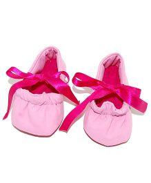 SnugOns Tie Up Booties - Light Pink