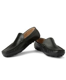 Careeno Solid Loafers - Black