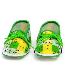 Soft Tots Leaf Printed Booties - Green & Yellow