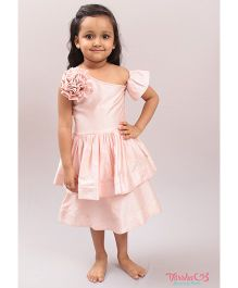 Varsha Showering Trends One Off Shoulder Flower Applique Dress - Peach