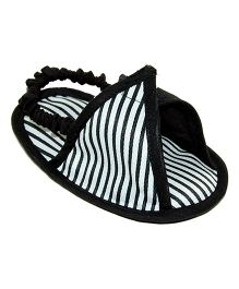 Striped Triangle Design Slipons - Black & White