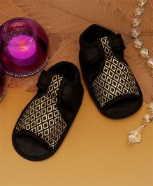 D'chica Royaly Here Brocade Crib Sandals For Baby Girls - Black