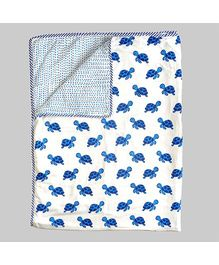 Ekchidiya Turtle Design Handprinted Blanket - White & Blue