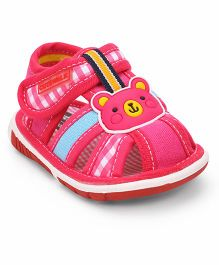 Cute Walk by Babyhug Sandals Teddy Motif - Fuchsia