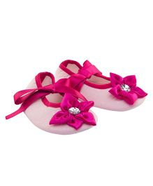Daizy Booties With Dazzling Flower Applique & Satin Ribbon - Baby Pink