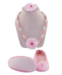 Daizy Sunflower Design Booties With Pearl Necklace & Bracelet - Baby Pink