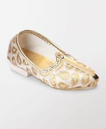 Ethnik's Neu Ron Mojari Shoes Paisley Design - Golden White