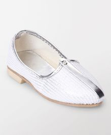 Ethnik's Neu Ron Mojari Shoes Plain - White Silver