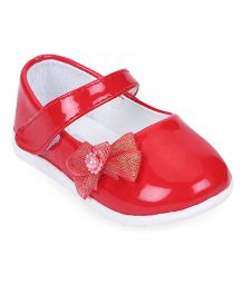 Cute Walk by Babyhug Bellies With Velcro Closure Bow Applique - Red