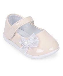 Cute Walk by Babyhug Bellies With Velcro Closure Bow Applique - Beige